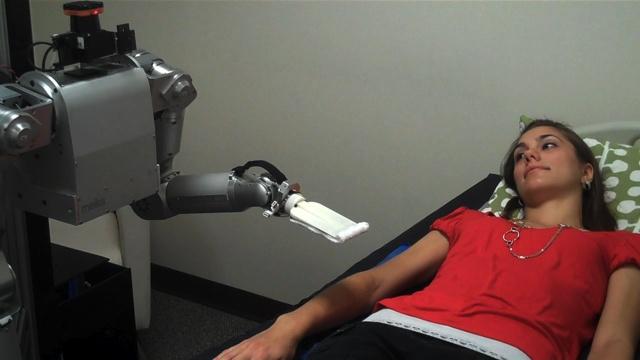 Cody, il robot che lava i pazienti